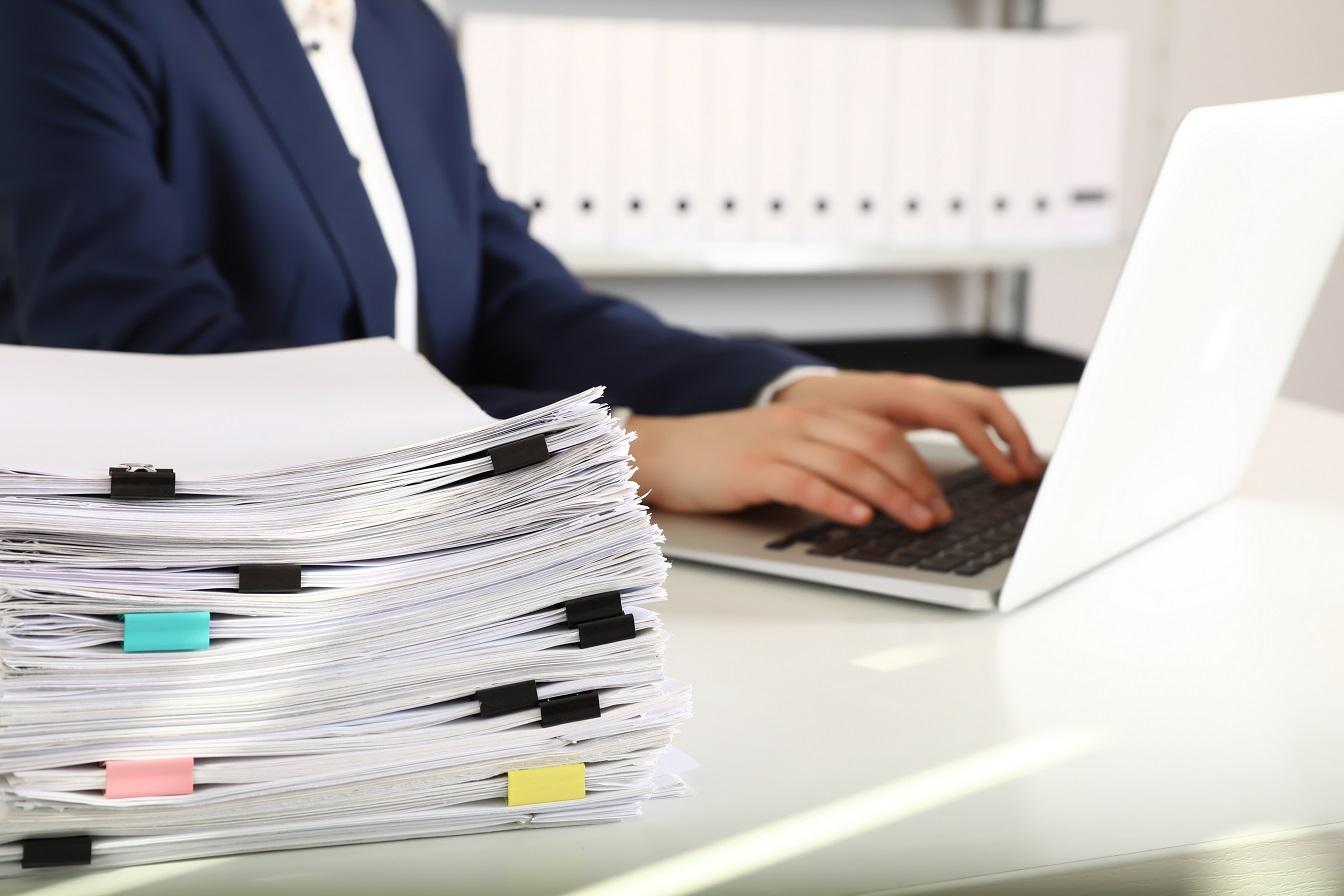 Zdjęcie do artykułu pisanie regulaminu pracy